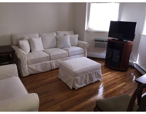 Casa Unifamiliar por un Alquiler en 26 Quincy Street Somerville, Massachusetts 02143 Estados Unidos