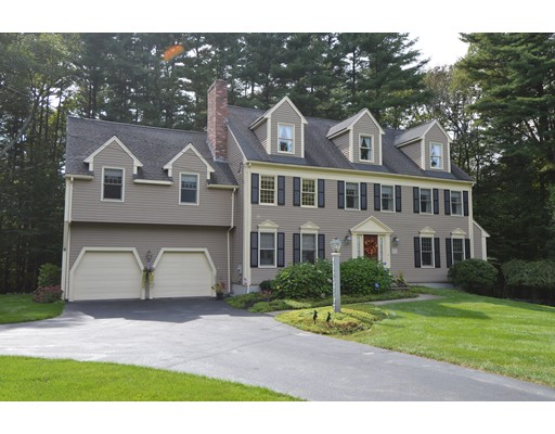 Casa Unifamiliar por un Venta en 21 Bogastow Circle 21 Bogastow Circle Millis, Massachusetts 02054 Estados Unidos