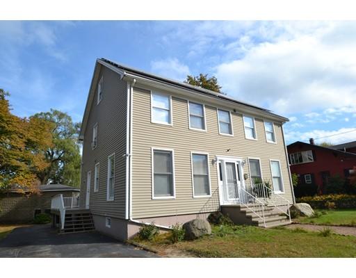 Maison unifamiliale pour l Vente à 105 E Pleasant Street 105 E Pleasant Street Lawrence, Massachusetts 01841 États-Unis