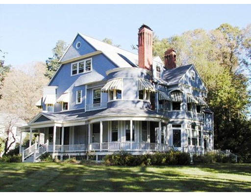 共管式独立产权公寓 为 销售 在 10 North Main Street #5 10 North Main Street #5 Williamsburg, 马萨诸塞州 01096 美国