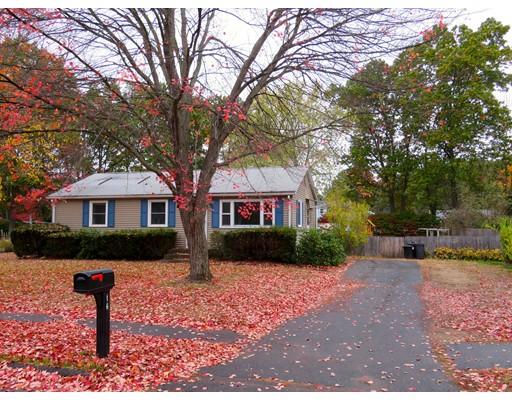 Частный односемейный дом для того Продажа на 16 Droy Circle 16 Droy Circle Easthampton, Массачусетс 01027 Соединенные Штаты