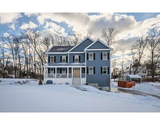 Single Family Home for Sale at 156 North 156 North North Reading, Massachusetts 01864 United States