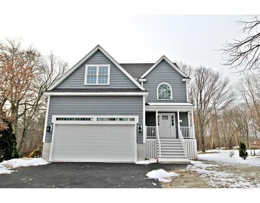 Casa Unifamiliar por un Venta en 319 Ash Street 319 Ash Street Reading, Massachusetts 01867 Estados Unidos