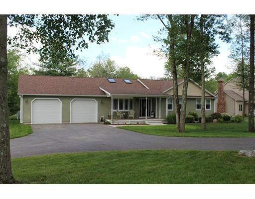 Maison unifamiliale pour l Vente à 14 Malboeuf Road 14 Malboeuf Road Ware, Massachusetts 01082 États-Unis