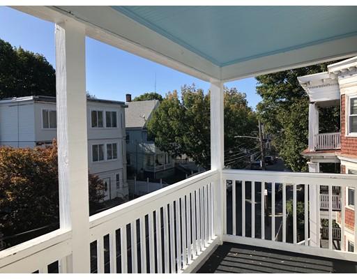 独户住宅 为 出租 在 25 Mattapan Street 波士顿, 马萨诸塞州 02126 美国