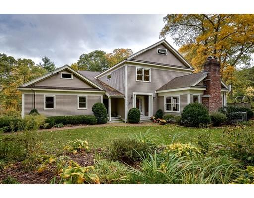Maison unifamiliale pour l Vente à 33 Greenwood Street 33 Greenwood Street Sherborn, Massachusetts 01770 États-Unis