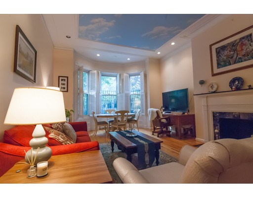 Additional photo for property listing at 333 Beacon Street #2 - FURN 333 Beacon Street #2 - FURN Boston, Massachusetts 02116 États-Unis