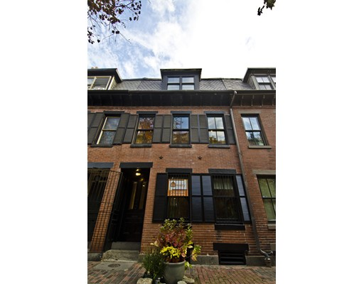 Single Family Home for Sale at 20 Lawrence Street 20 Lawrence Street Boston, Massachusetts 02116 United States