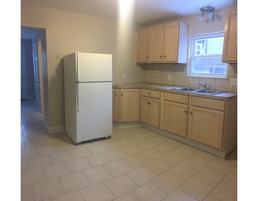 Additional photo for property listing at 10 South Ferry Street  Everett, Massachusetts 02149 Estados Unidos