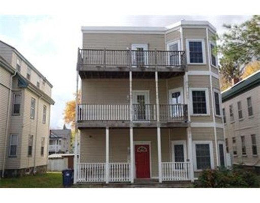 Casa Multifamiliar por un Venta en 31 Oakwood Street Boston, Massachusetts 02124 Estados Unidos