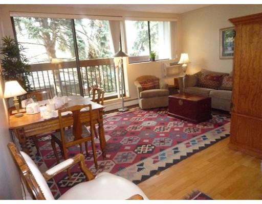 Additional photo for property listing at 1643 Cambridge Street  Cambridge, Massachusetts 02138 Estados Unidos