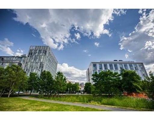Additional photo for property listing at 1 Earhart  Cambridge, Massachusetts 02141 Estados Unidos
