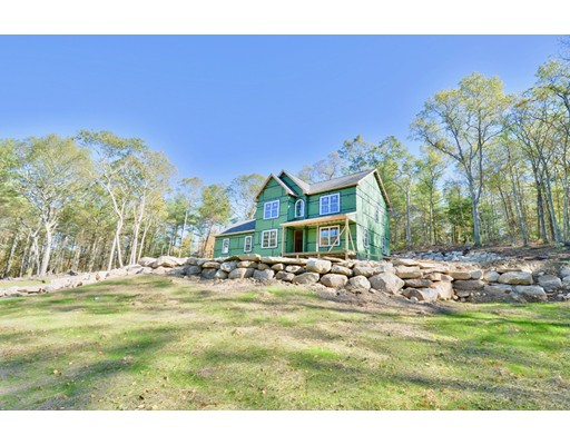 Single Family Home for Sale at 111 Kapitulik Road 111 Kapitulik Road Thompson, Connecticut 06255 United States