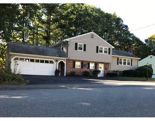 Частный односемейный дом для того Продажа на 110 Cottage Street 110 Cottage Street Hudson, Массачусетс 01749 Соединенные Штаты