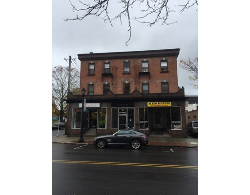 Comercial por un Venta en 17 S Washington Street 17 S Washington Street North Attleboro, Massachusetts 02760 Estados Unidos