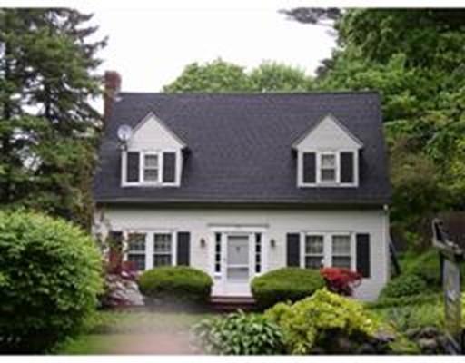 Maison unifamiliale pour l à louer à 142 Oakland Street 142 Oakland Street Wellesley, Massachusetts 02481 États-Unis