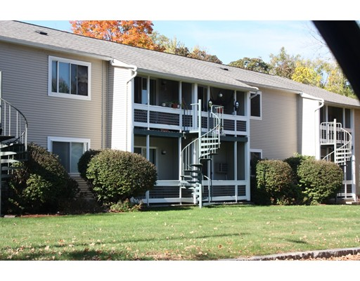 共管式独立产权公寓 为 销售 在 49 St. Kolbe Drive 49 St. Kolbe Drive Holyoke, 马萨诸塞州 01040 美国