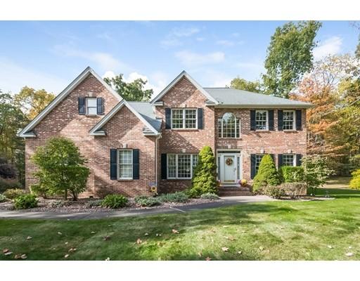 واحد منزل الأسرة للـ Sale في 8 Wintergreen Circle 8 Wintergreen Circle Southwick, Massachusetts 01077 United States