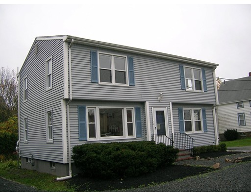 Apartment for Rent at 162 Prospect St #2 162 Prospect St #2 Somerset, Massachusetts 02726 United States