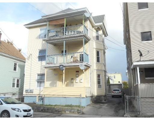 多户住宅 为 销售 在 9 Bunkerhill Street 9 Bunkerhill Street Lawrence, 马萨诸塞州 01841 美国
