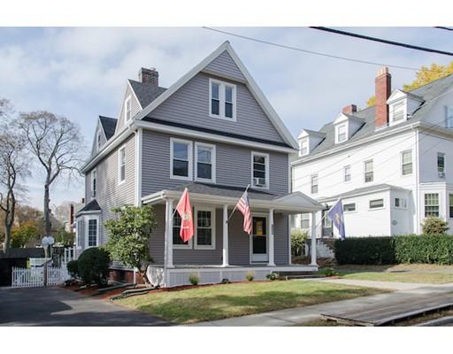 Maison unifamiliale pour l Vente à 126 Allston Street 126 Allston Street Medford, Massachusetts 02155 États-Unis