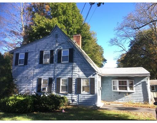 واحد منزل الأسرة للـ Sale في 140 COMMON STREET 140 COMMON STREET Walpole, Massachusetts 02081 United States