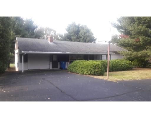Maison unifamiliale pour l Vente à 539 Angell Road 539 Angell Road Lincoln, Rhode Island 02865 États-Unis