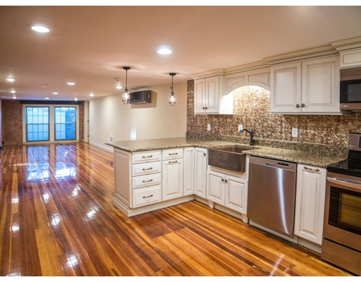 Apartment for Rent at 6 School St #6B 6 School St #6B Plymouth, Massachusetts 02360 United States