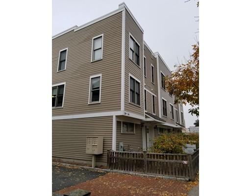 Таунхаус для того Аренда на 239 Prospect Street #2 239 Prospect Street #2 Cambridge, Массачусетс 02139 Соединенные Штаты