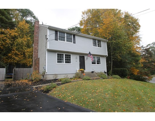独户住宅 为 销售 在 32 Cranberry Lane 32 Cranberry Lane 彭布罗克, 马萨诸塞州 02359 美国