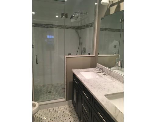 Appartement en copropriété pour l à louer à 350 W Broadway #5 350 W Broadway #5 Boston, Massachusetts 02127 États-Unis