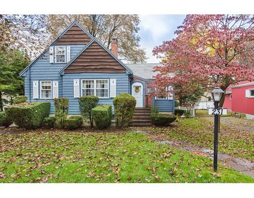 Casa Unifamiliar por un Venta en 231 Mountain Avenue 231 Mountain Avenue Arlington, Massachusetts 02474 Estados Unidos