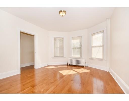 独户住宅 为 出租 在 32 Trull Street Somerville, 02145 美国