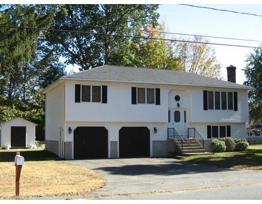 واحد منزل الأسرة للـ Sale في 84 Simonds Street 84 Simonds Street Ludlow, Massachusetts 01056 United States