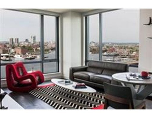 Additional photo for property listing at 10 New  波士顿, 马萨诸塞州 02128 美国