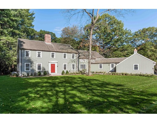 Частный односемейный дом для того Продажа на 51 Highland Lane 51 Highland Lane Milton, Массачусетс 02186 Соединенные Штаты