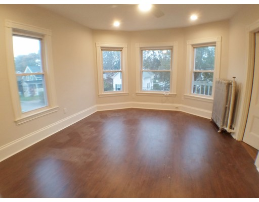 Single Family Home for Rent at 32 Cottage Street 32 Cottage Street Mansfield, Massachusetts 02048 United States