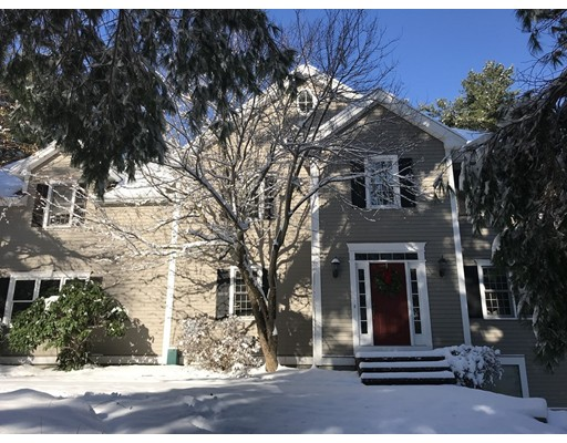 Single Family Home for Sale at 4 Blackberry Hill Road 4 Blackberry Hill Road Wrentham, Massachusetts 02093 United States