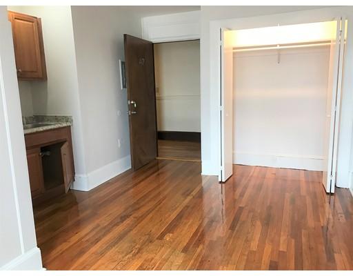 Casa Unifamiliar por un Alquiler en 68 Summer Street Malden, Massachusetts 02148 Estados Unidos