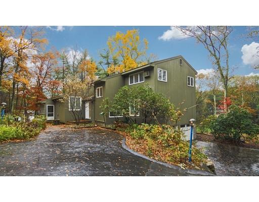 Maison unifamiliale pour l Vente à 19 Wildwood Drive 19 Wildwood Drive Sherborn, Massachusetts 01770 États-Unis