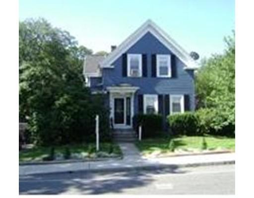 独户住宅 为 销售 在 205 Union Street 205 Union Street 伦道夫, 马萨诸塞州 02368 美国