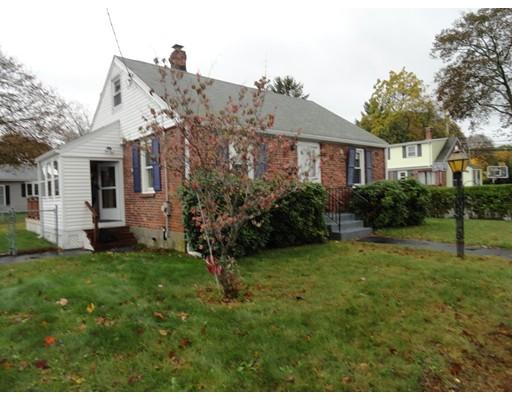 واحد منزل الأسرة للـ Sale في 2 Veterans Lane 2 Veterans Lane Stoneham, Massachusetts 02180 United States
