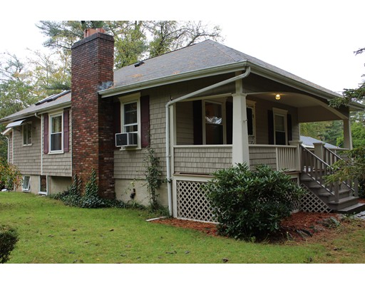 Single Family Home for Sale at 19 Beech Bluff Road 19 Beech Bluff Road Freetown, Massachusetts 02717 United States