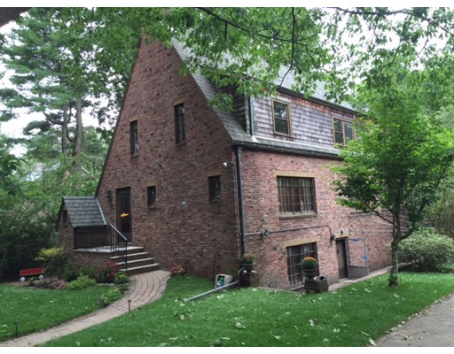 Additional photo for property listing at 230 Middlesex Road 230 Middlesex Road Brookline, Massachusetts 02467 États-Unis