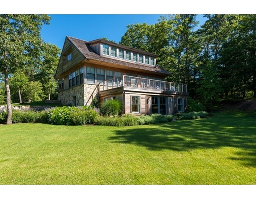 Casa Unifamiliar por un Venta en 325 Baxters Neck Road 325 Baxters Neck Road Barnstable, Massachusetts 02648 Estados Unidos