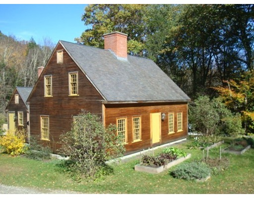 Casa Unifamiliar por un Venta en 269 Old Goshen Road 269 Old Goshen Road Goshen, Massachusetts 01032 Estados Unidos