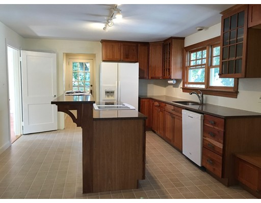 Additional photo for property listing at 72 Davis Road  Belmont, Massachusetts 02478 Estados Unidos