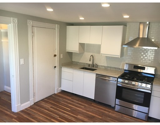 Additional photo for property listing at 110 Quincy Avenue  Winthrop, Massachusetts 02152 Estados Unidos