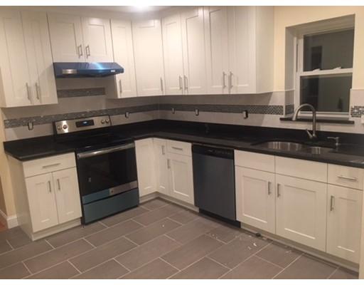 Apartamento por un Alquiler en 18 Fleming Street #18 18 Fleming Street #18 Medford, Massachusetts 02155 Estados Unidos
