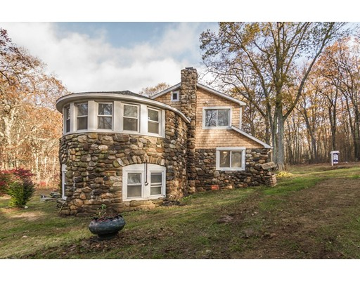 واحد منزل الأسرة للـ Sale في 156 New Braintree Road 156 New Braintree Road West Brookfield, Massachusetts 01585 United States